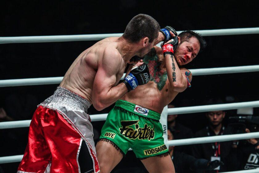 Асланбек Зикрьеев успешно дебютировал в One Championship